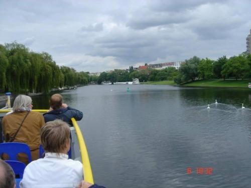 More photos of the European Tour 2005 by Martin Go-FFA Berlin City tour River cruise 040 jpg